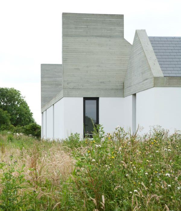 Building Of The Month - October 2015 - Leagun House